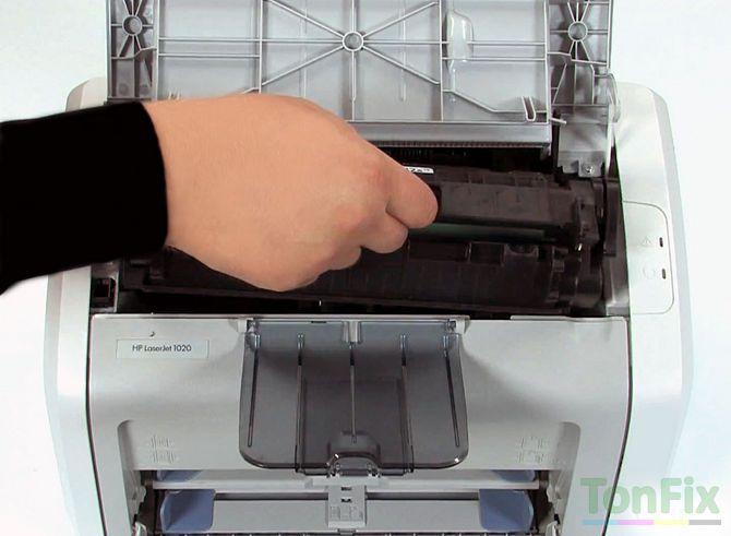 Как совершить замену картриджа для лазерного принтера?